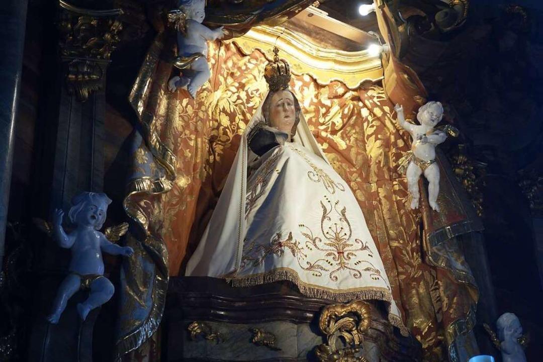 Sie bildet den Mittelpunkt des Hochalt...ichnam Jesu im sogenannten Gnadenbild.  | Foto: Florian Kech
