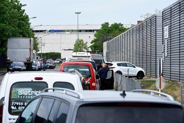 Freiburger Recyclinghof St. Gabriel ist zur Zeit chronisch überlastet