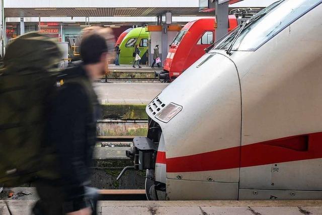 Zugstörungen bremsen Bahnkunden aus – Gewerkschaft für