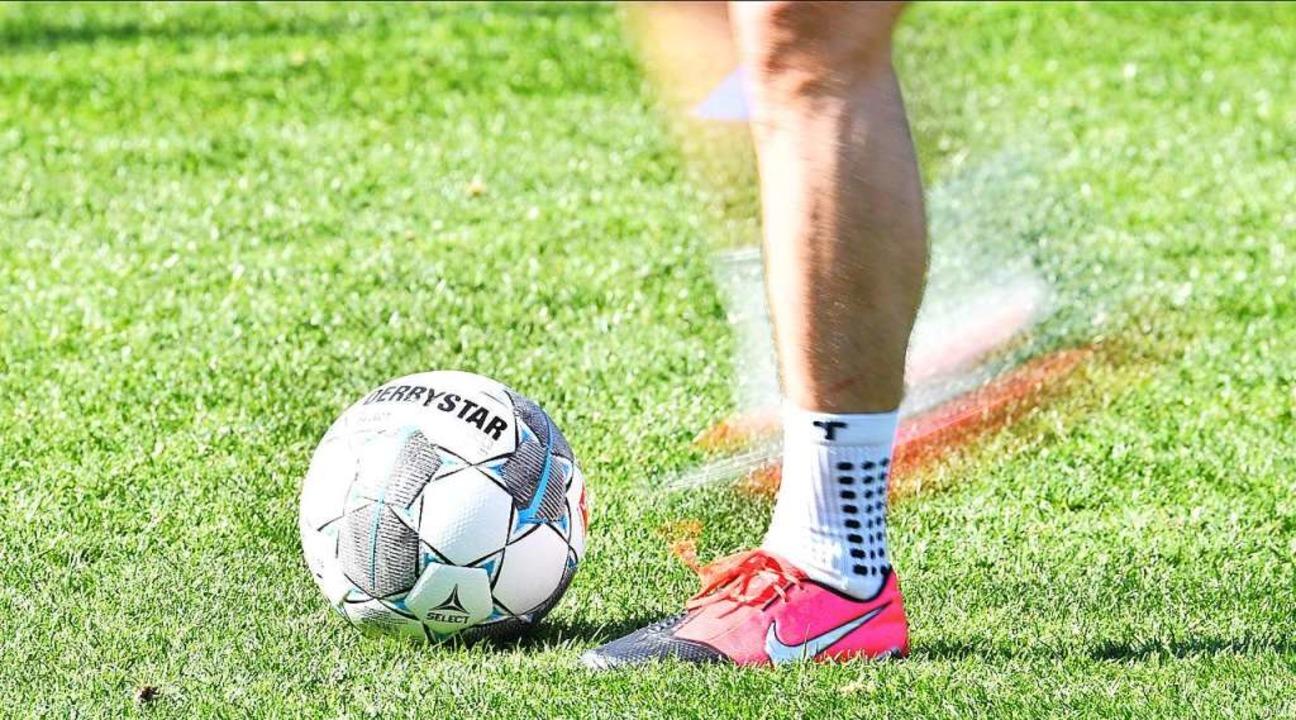 Auch beim SC Freiburg hofft man, dass bald wieder gekickt werden kann.    Foto: Achim Keller