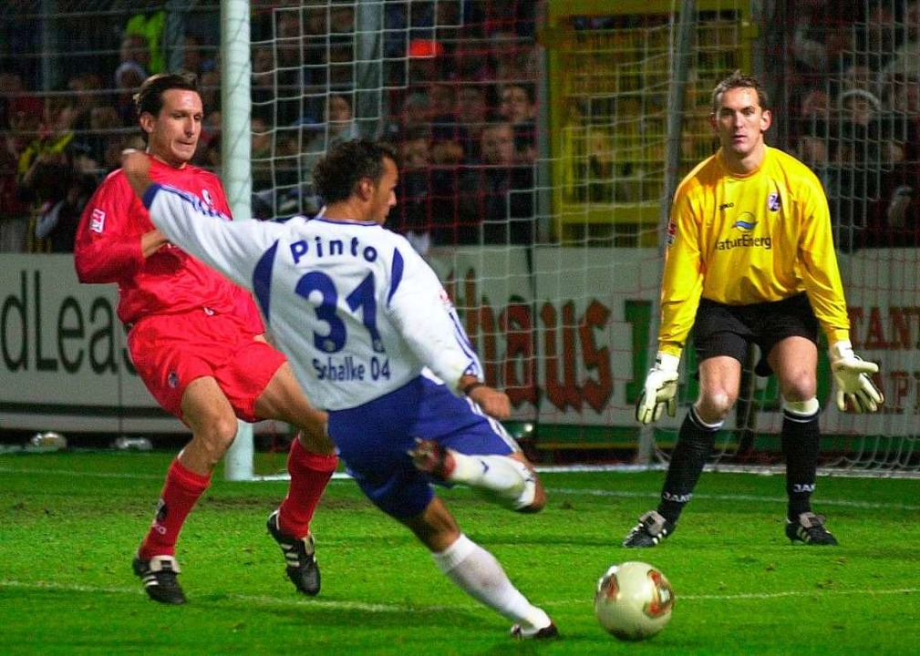 DFB-Pokal  gegen FC Schalke 04 im Okto...ete mit einem 7:3-Sieg der Freiburger.  | Foto: Rolf_Haid