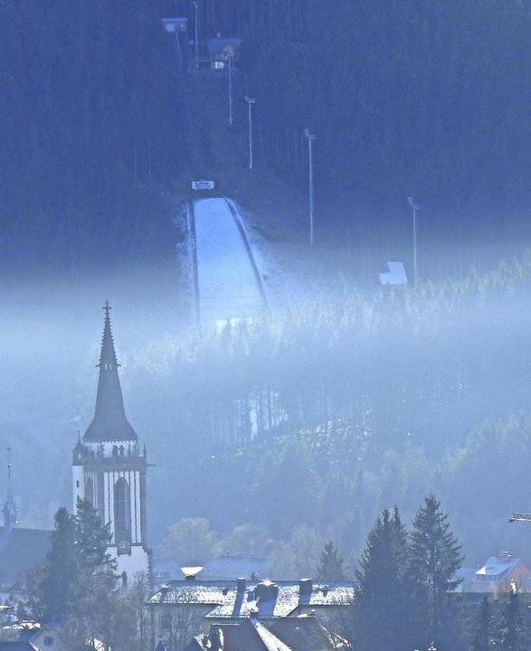 Sehnsuchtsort hoch über dem Neustädter...up auf der Hochfirstschanze abheben.    | Foto: Johannes Bachmann