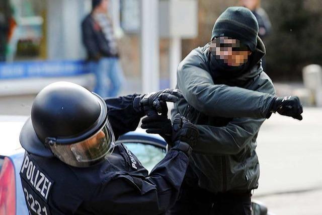 Reinhard Renter zu Gewalt gegen Beamte: