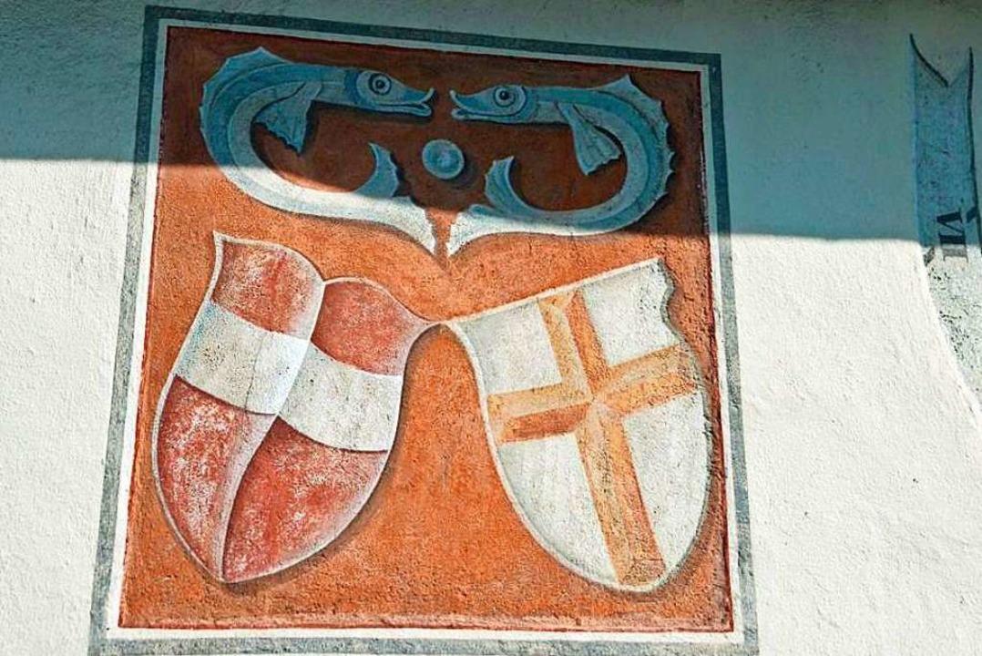 Wappenensemble mit dem Österreichische...urg  an der Johanneskapelle in Zarten.    Foto: Gerhard Lück