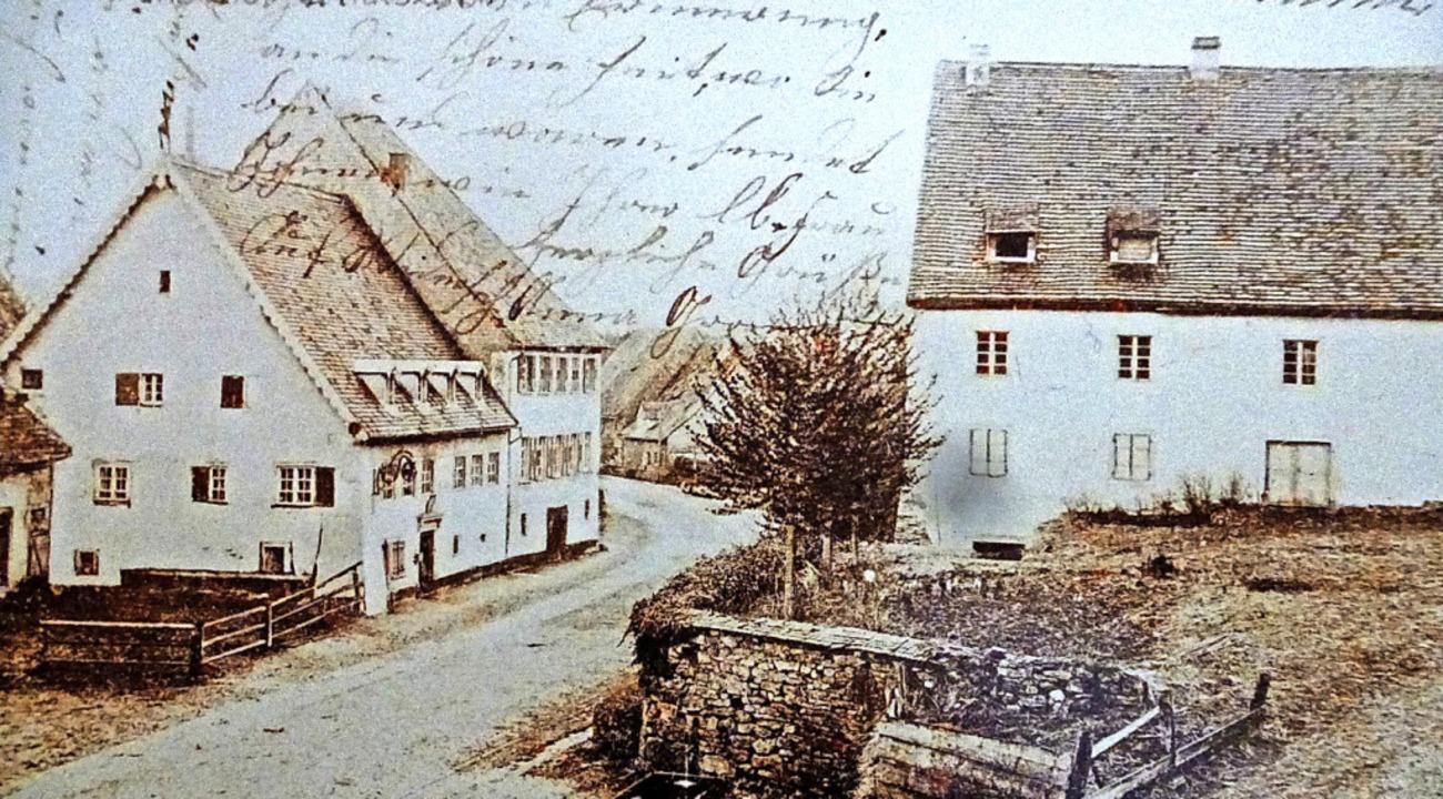 Das Bachheimer  Gasthaus Hirschen (lin...einer Postkarte aus der Zeit um 1918.   | Foto: Repro Karla Scherer