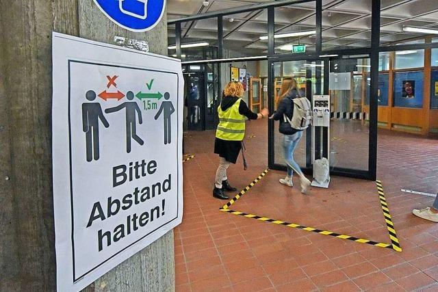 Tausende Freiburger Schülerinnen und Schüler gehen wieder zur Schule