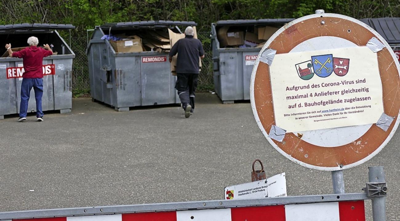 Disziplinierte Anlieferung beim Recyclinghof in Hartheim am Rhein    Foto: Victor Adolf
