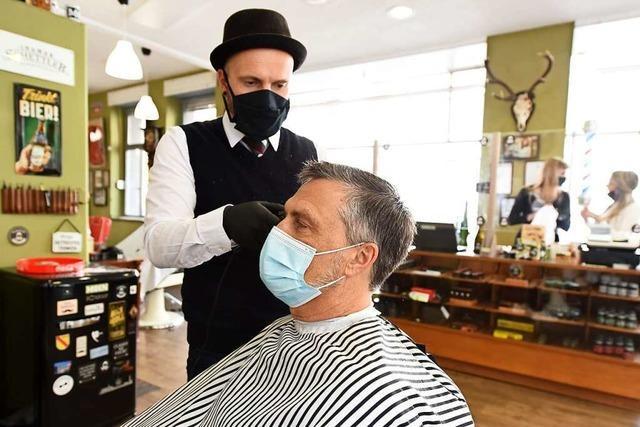Video: Diese Corona-Regeln sind beim Friseur zu beachten