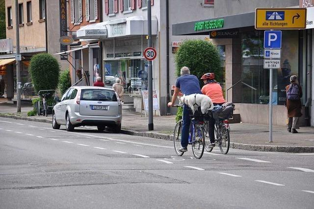 Schutzstreifen sollen die Kreisstraße bei Bad Bellingen für Radfahrer sicherer machen