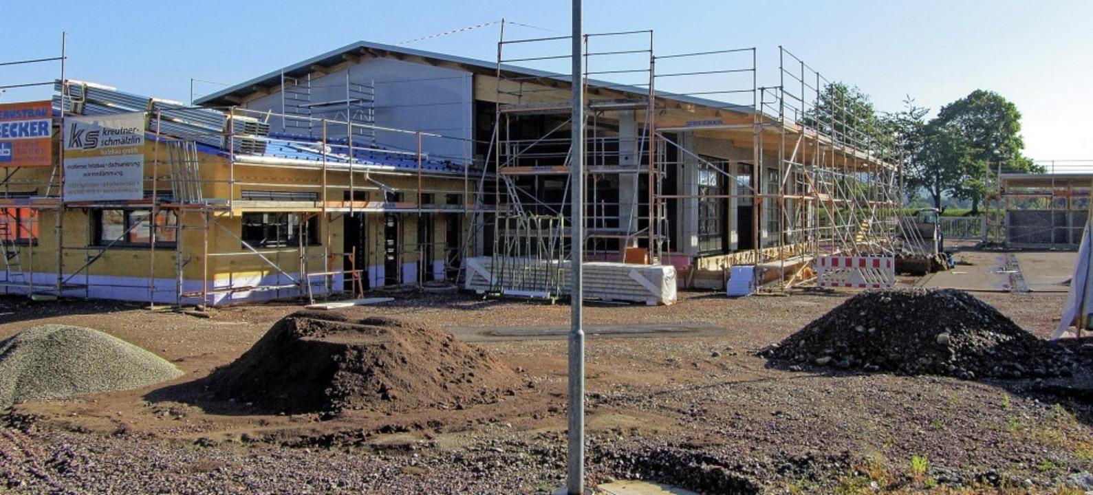 Der neue Riegeler Betriebshof im Gewer...feldele macht sichtbare Fortschritte.     Foto: Martin Wendel