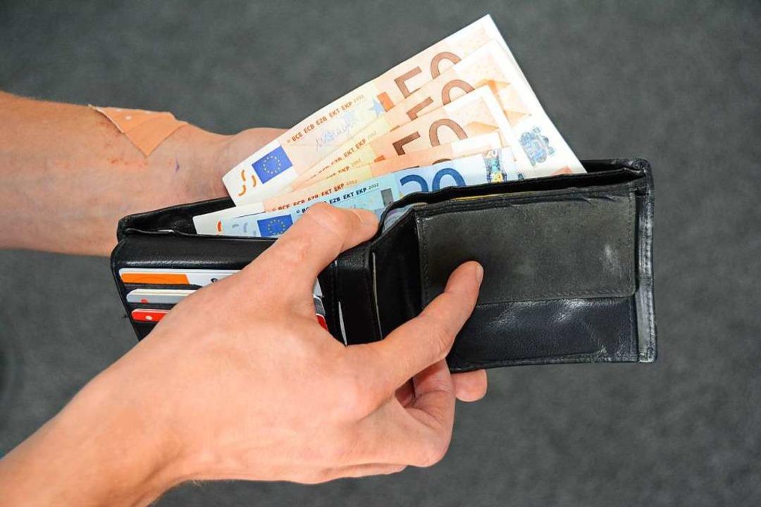 Die Täter haben die Scheine aus den Ge...sen von Kunden gestohlen (Symbolbild).    Foto: Hannes Lauber