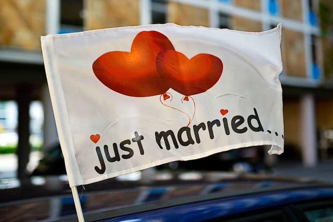 Hochzeiten in Corona-Zeiten verlaufen meist anders als geplant (Symbolbild).  | Foto: Uwe Zucchi