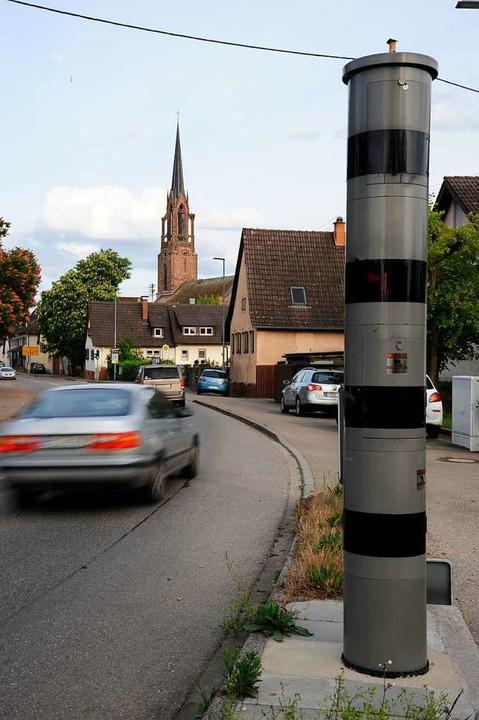 An der Durchgangsstraße der B3 in Könd...ige Blitzer im Landkreis Emmendingen.     Foto: Markus Zimmermann
