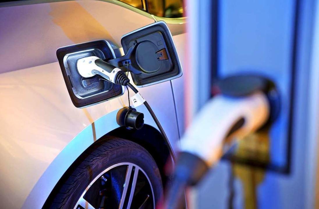 Der Einbau von E-Auto-Ladestationen in...durch die Gesetzesreform erleichtert.     Foto: Jan Woitas