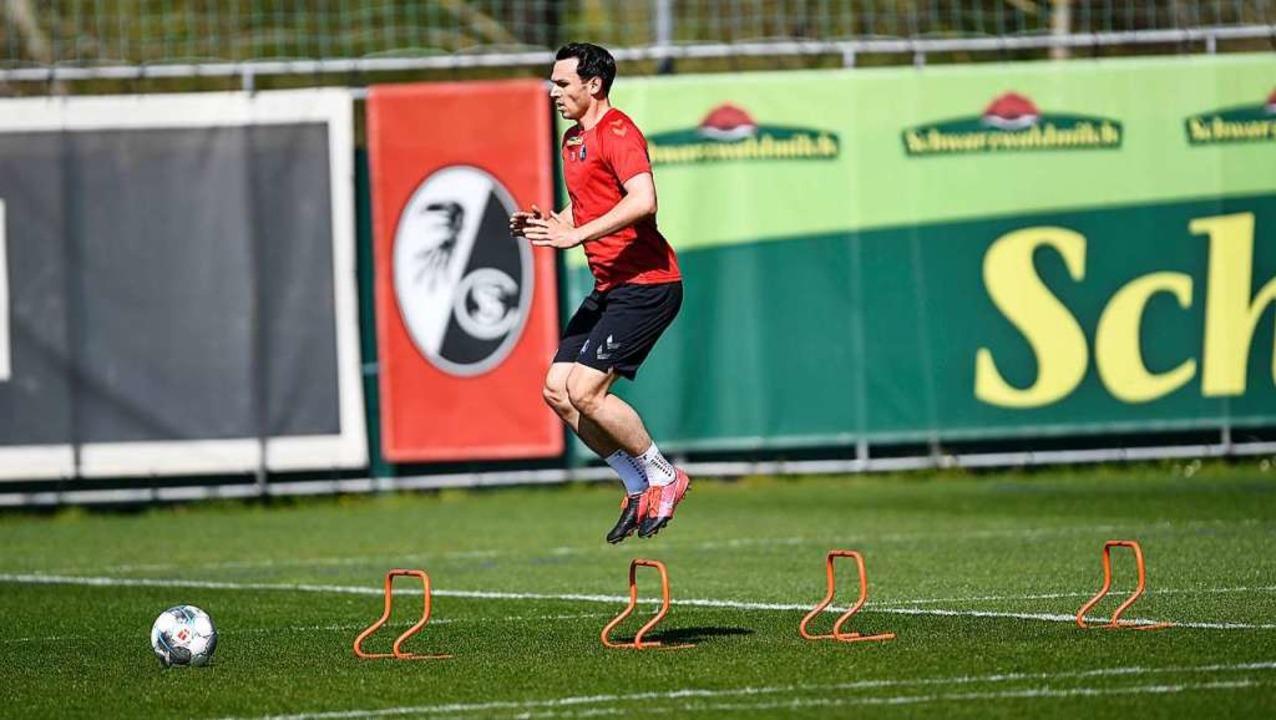 Auch Nicolas Höfler dürfte bald wieder...ehreren Kollegen gemeinsam trainieren.  | Foto: Patrick Seeger (dpa)