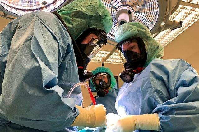 Das Ortenauklinikum setzt im OP auch auf Feuerwehrmasken