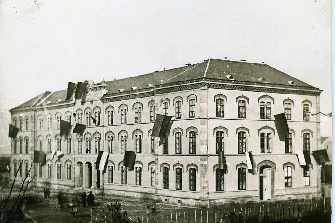 Der Neubau des Großherzoglichen Lyceum...g seiner Einweihung am 4. Januar 1866.  | Foto: Gottlieb Hase/Augustinermuseum
