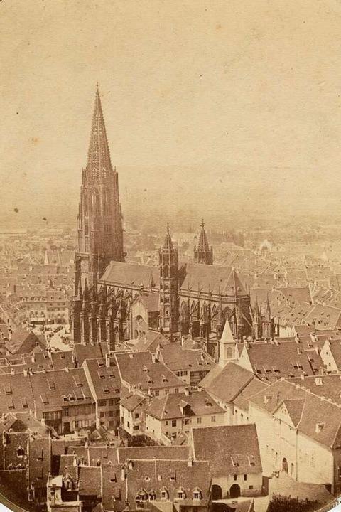 Das wohl älteste Foto des Freiburger Münsters, entstanden vor 1863  | Foto: Gottlieb Hase / Augustinermuseum