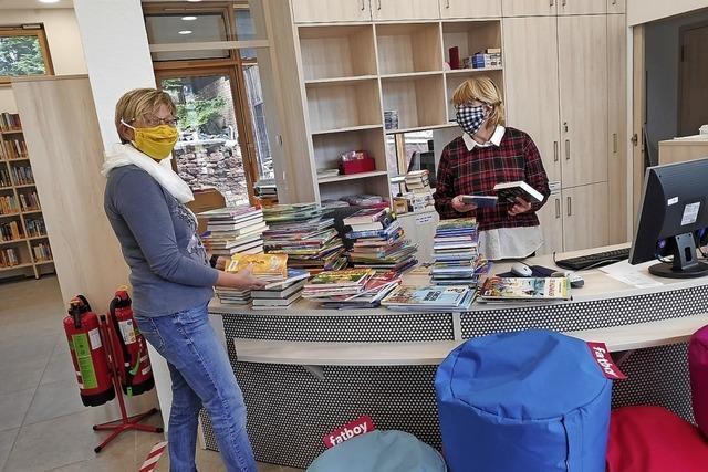 Platz für fünf Bücherfreunde gleichzeitig