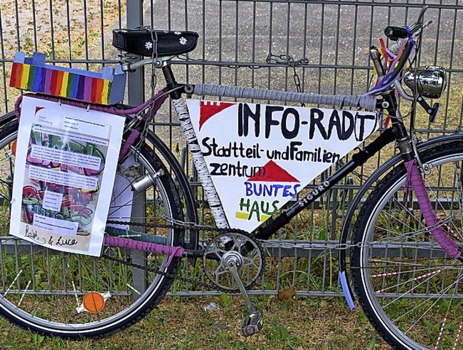Das bunte Info-Rad des Bunten Hauses.   | Foto: Stadt Offenburg
