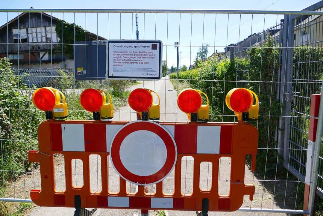 Von den  Lockerungen sind die Grenzen ...stag die Forderung nach einer Öffnung.  | Foto: Sabine Ehrentreich
