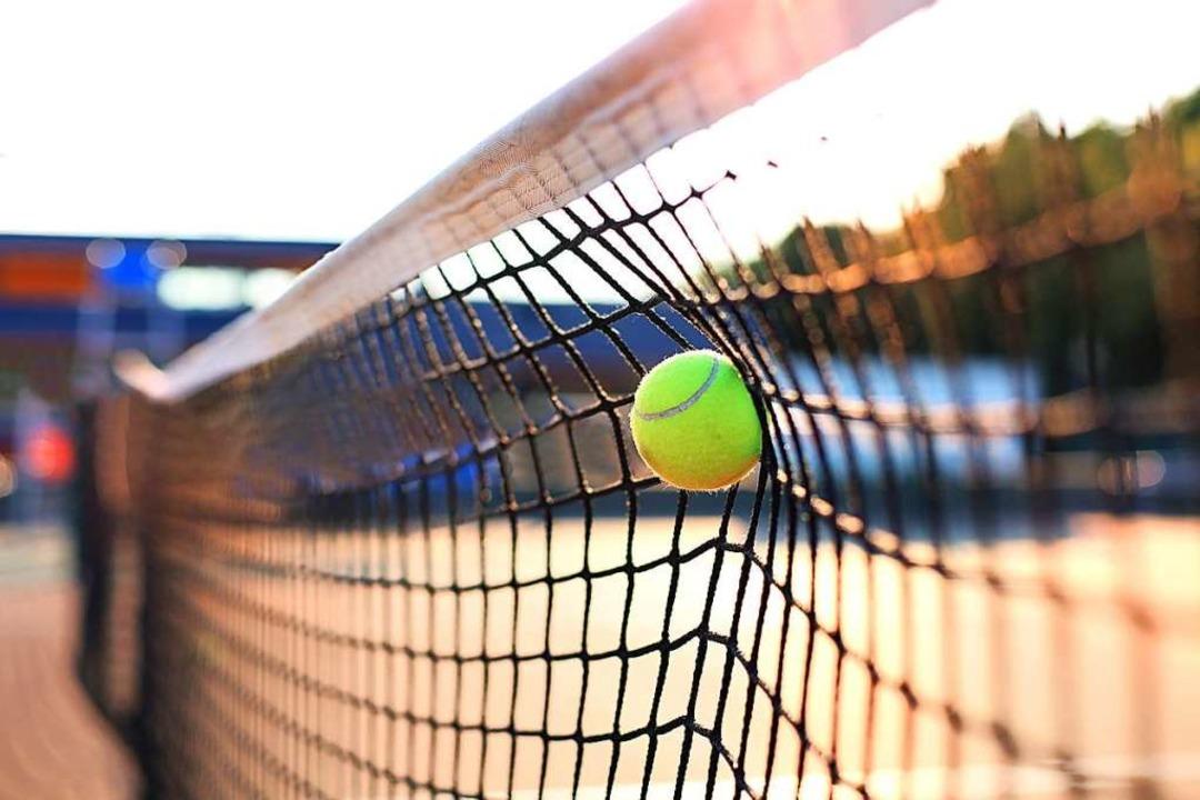 Tennis ist wieder möglich – aber...gieneregeln müssen eingehalten werden.  | Foto: Ty (Adobe Stock)