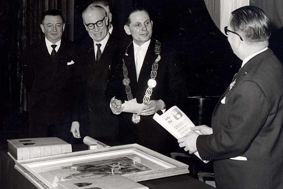 Am 4. Februar 1962 wurde in der Aula d... Brucker als Lahrer Oberbürgermeister.    Foto: Stadtarchiv
