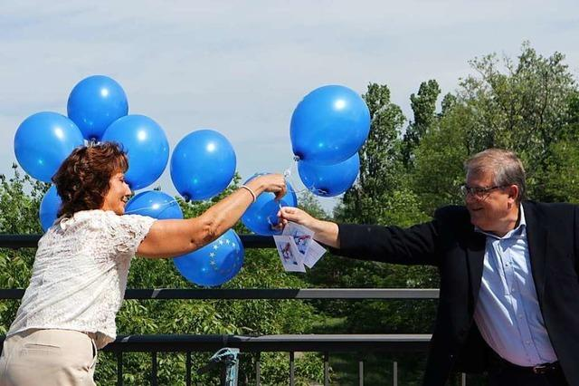 Verwirrung und Luftballons am Grenzübergang Neuenburg – Chalampé