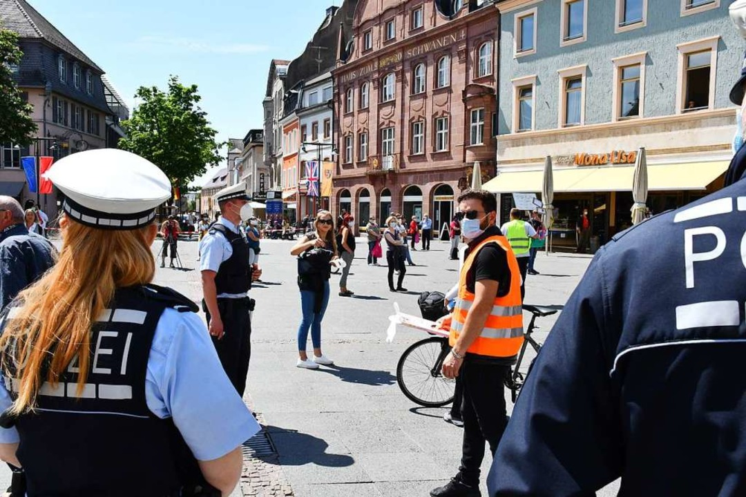 Die Polizei war anwesend    Foto: Barbara Ruda