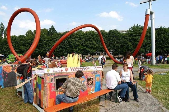 Freiburger Spielmobil tüftelt an Stadtteil-Rallyes, statt Jubiläum zu feiern