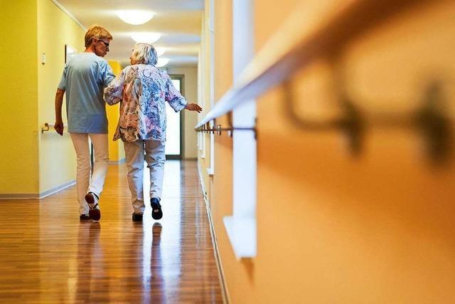 Ab 18. Mai wieder Besuche in Krankenhäusern und Heimen erlaubt