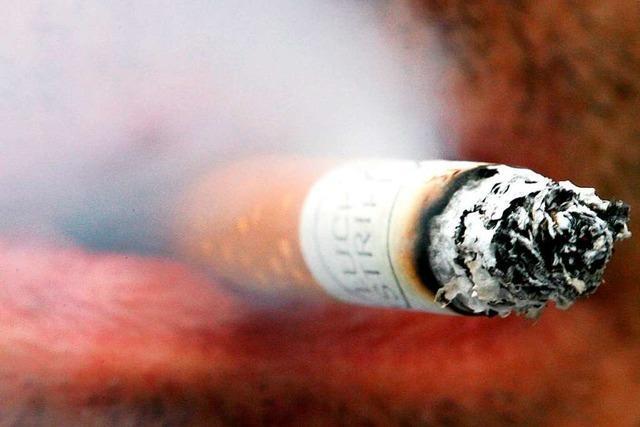 Raucher sollen besser gegen Covid-19 geschützt sein als Nichtraucher