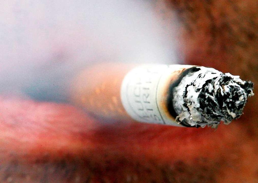 Französische Wissenschaftler haben fes...enten nur fünf  Prozent Raucher waren.  | Foto: Martin Gerten