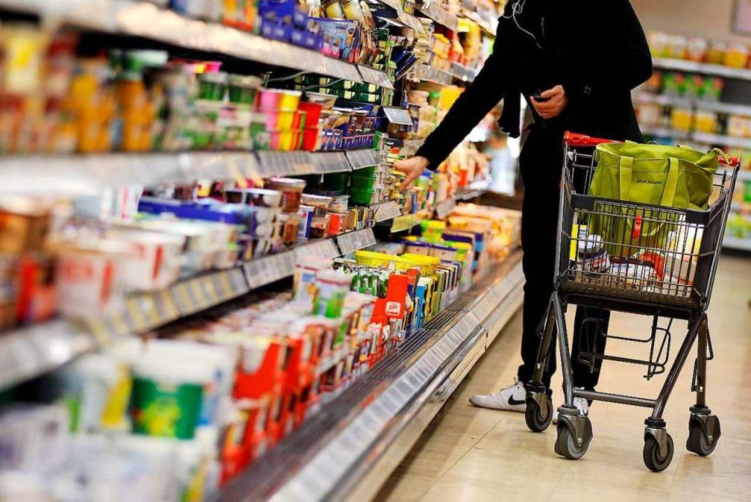 In Corona-Zeiten kaufen viele  nicht so häufig ein, dafür in größeren Mengen.  | Foto: Oliver Berg