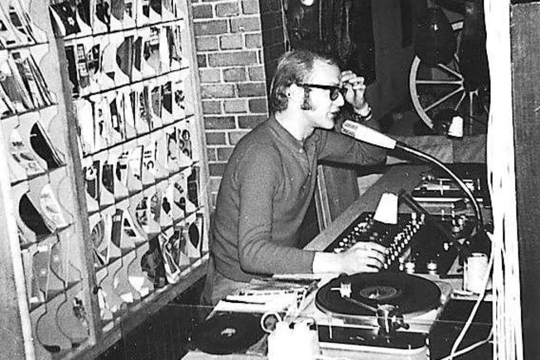 Ralph Neubert sortierte in Fächern seine Platten vor, die er im Club auflegte.    Foto: Ralph Neubert Privatarchiv