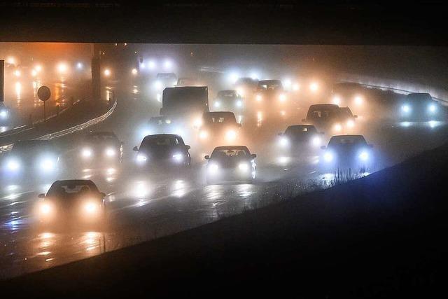 Eier-Transporter umgekippt: A5 bei Rastatt für mehrere Stunden gesperrt