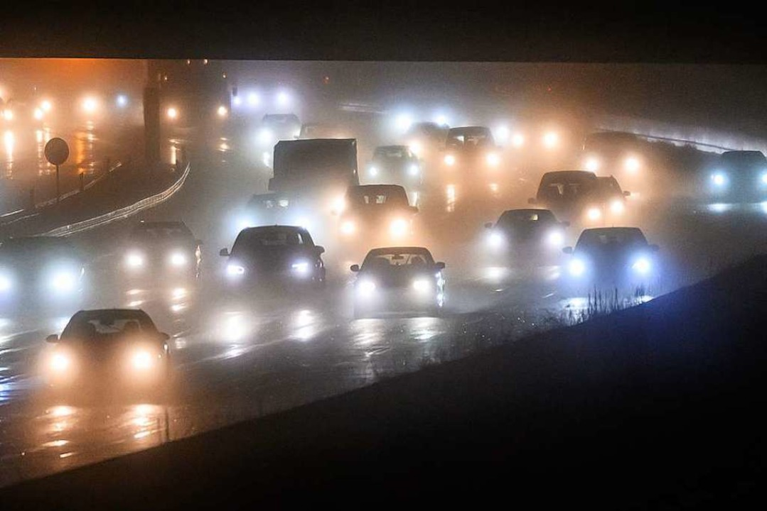 Der Unfall sorgte am Montag für Stau im Morgenverkehr (Symbolfoto).    Foto: Silas Stein (dpa)
