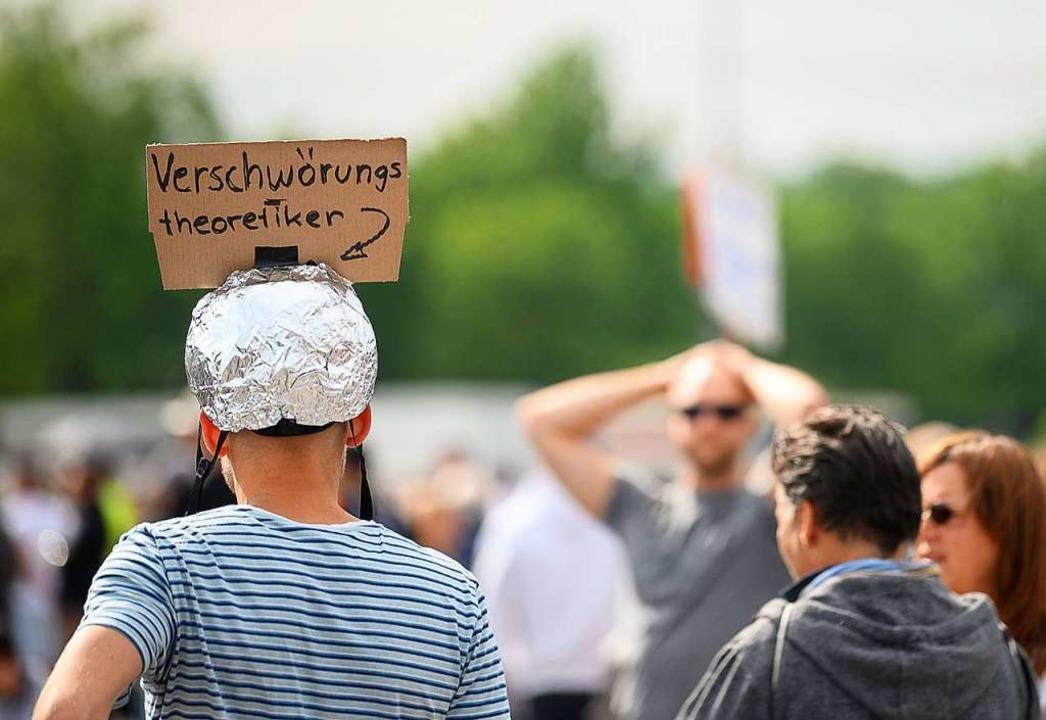 Nach einem anfänglichen Konsens über d...chiedenen Städten gegen die Maßnahmen.  | Foto: Sebastian Gollnow (dpa)
