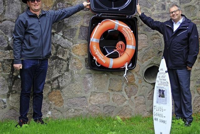 Stadt installiert Rettungsringe am Rhein