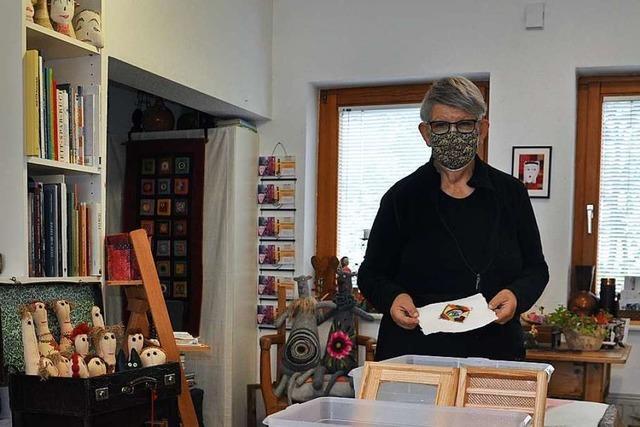 Papierschöpfen statt Däumchendrehen in der Corona-Krise