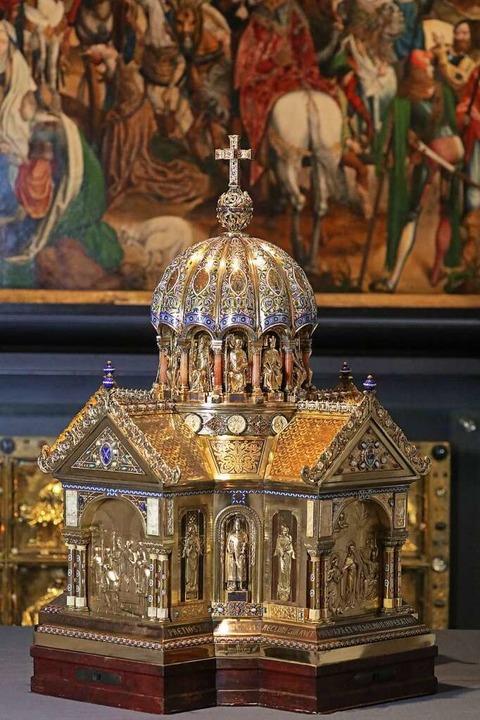Der Schrein der Heiligen Corona im Dom...tionen in Malterdingen vor 100 Jahren.  | Foto: Oliver Berg (dpa)
