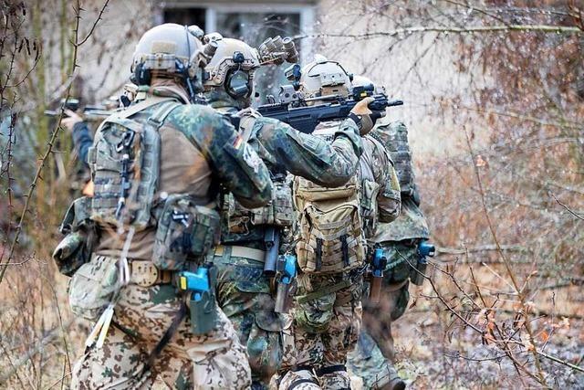 Waffen und Sprengstoff bei Elitesoldaten in Sachsen gefunden