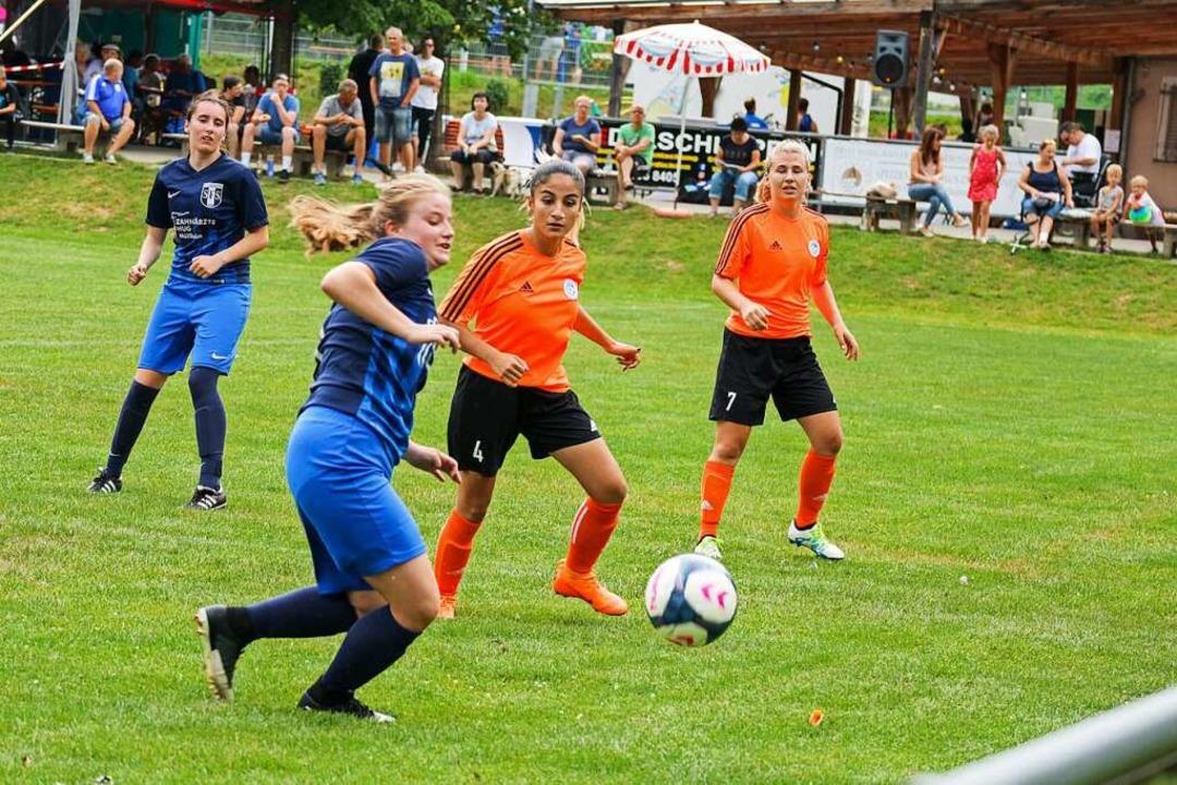 Szenen wie diese beim Spiel der Damen-...tember in Schliengen nicht mehr geben.    Foto: Alexander Huber
