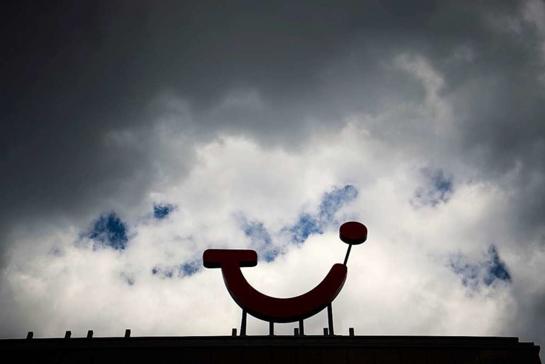 8000 Stellen sollen bei Tui abgebaut werden.  | Foto: Julian Stratenschulte (dpa)