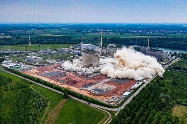 Kühltürme von stillgelegtem Atomkraftwerk Philippsburg gesprengt