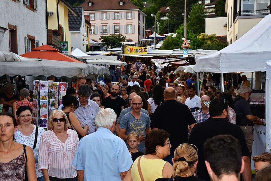Bilder wie diese wird es heuer nicht geben: Der Johannimarkt ist abgesagt.  | Foto: Heinz und Monika Vollmar