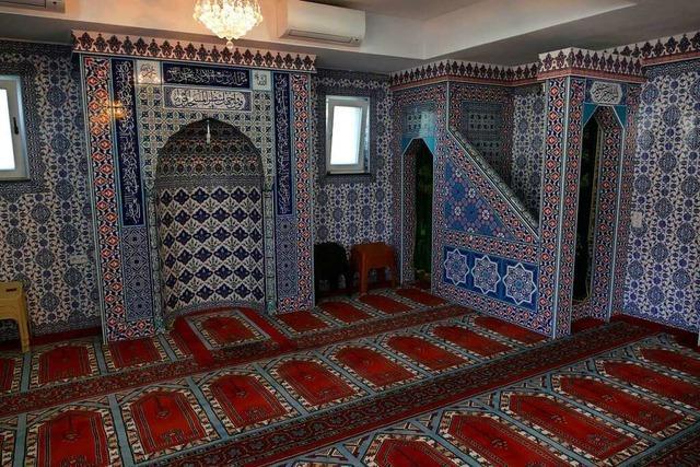 In der Bötzinger Moschee ist Beten nur mit eigenem Teppich erlaubt