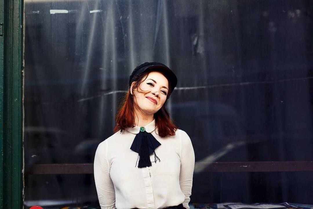 Magdalena Ganter vor dem Berliner Jazz...ie Lieder für ihr Soloalbum entstehen.  | Foto: Marcus Engler