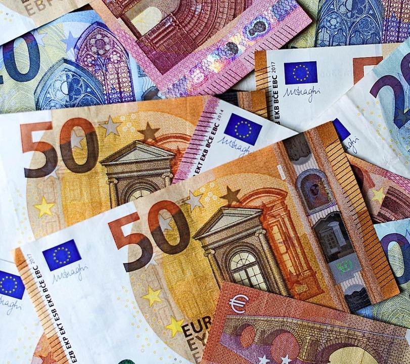 Eine Ende des Geldausgebens ist nicht ... Juni soll ein Konjunkturpaket folgen.  | Foto: Monika Skolimowska (dpa)