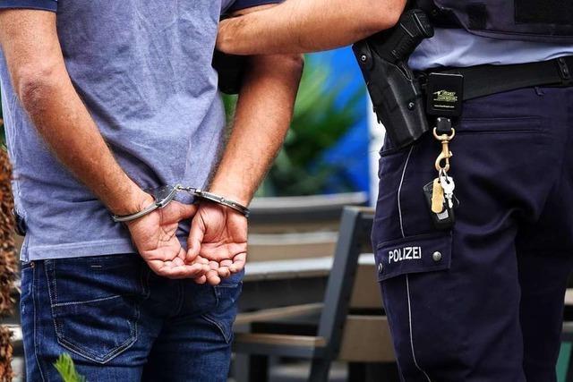 Kripo verhindert in Emmendingen Handel mit drei Kilo Marihuana